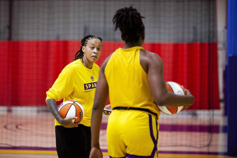 Seimone Augustus comandando treinamento do Los Angeles Sparks
