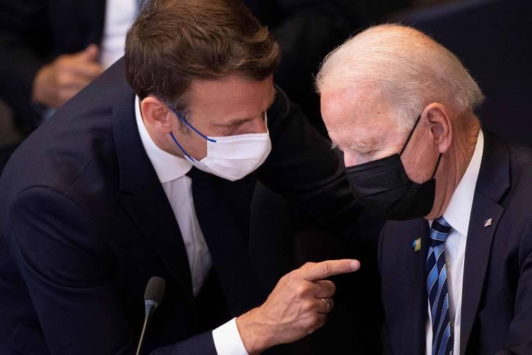 Biden e Macron botam panos quentes em relação diplomática após crise dos submarinos