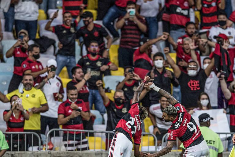 Flamengo vence diante de 23 mil e fica perto da final da Libertadores