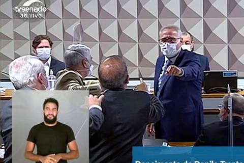Renan e Jorginho Mello batem boca na CPI aos gritos de vagabundo e ladrão picareta; veja vídeo