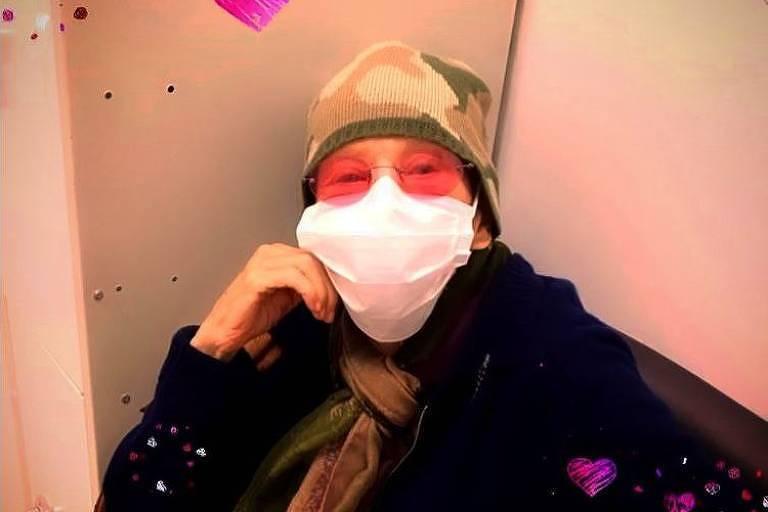 Em tratamento contra câncer, Rita Lee reaparece nas redes e lança single