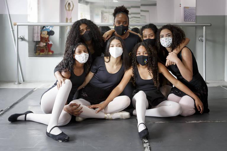Corpo de balé abriga meninas negras na periferia de São Paulo