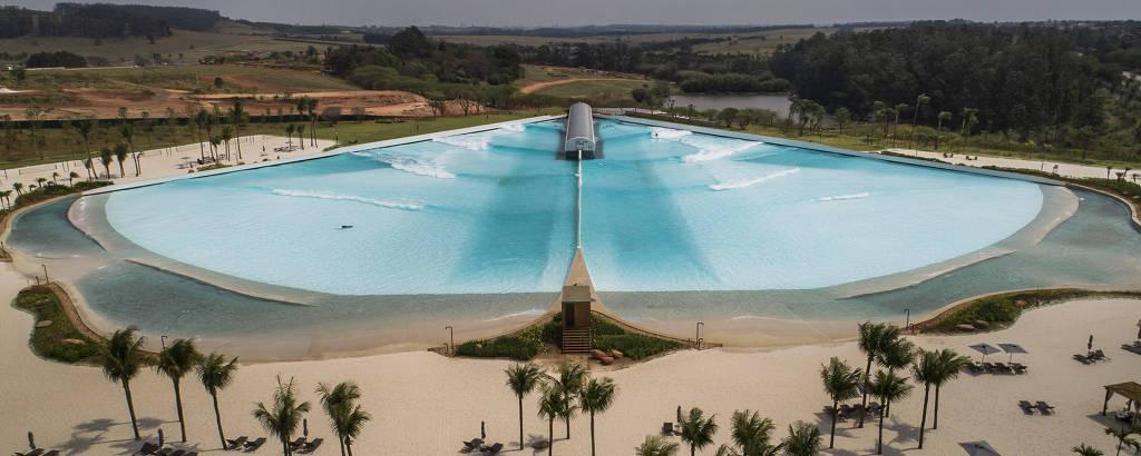 Condomínio de luxo no interior de São Paulo, Fazenda da Grama, que conta com uma piscina de ondas artificiais, a Praia da Grama