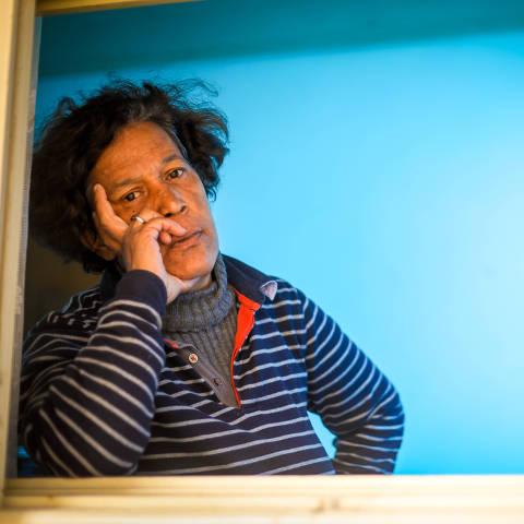 Porto Alegre, RS, BRASIL, 21.09.2021 - Hospitais psiquiátricos seguem recebendo recursos federais mesmo sem serem avaliados. Sandra Mara, 46, foi internada mais de 90 vezes em hospitais psiquiátricos ao longo de sua vida. Em uma dessas internações, passou 10 anos privada de liberdade em um manicômio de Porto Alegre, onde era amarrada, ficava em isolamento e sofria humilhações constantes.
