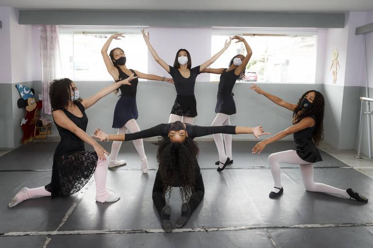 Meninas negras compõem corpo de balé na periferia de São Paulo