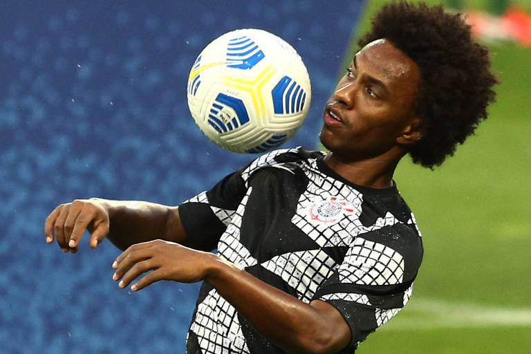 Willian será titular do Corinthians contra o Palmeiras pelo Campeonato Brasileiro