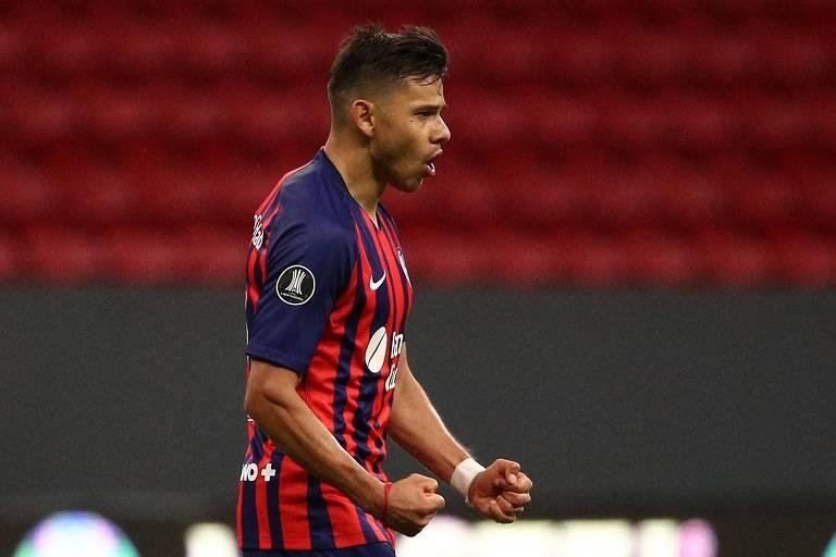Ángel Romero comemora gol contra o Santos pela Copa Libertadores