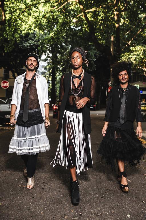 Em seu primeiro disco, o trio Não Recomendados ironiza gays preconceituosas