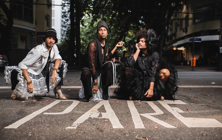 Veja fotos do trio Não Recomendados, que ironiza gays preconceituosos em disco de estreia