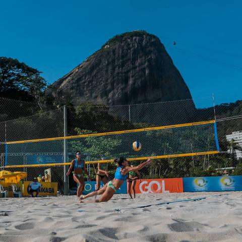 Primeira etapa do Circuito de vôlei de praia, no Rio de Janeiro