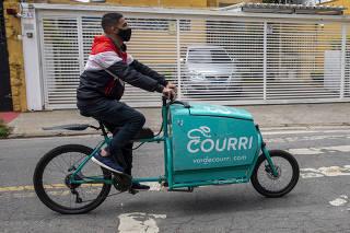 De cargueiras a motorizadas, comércio virtual diversifica bikes nas ruas