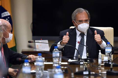 Congresso aprova projeto que abre possibilidade de usar reforma do IR para financiar Auxílio Brasil