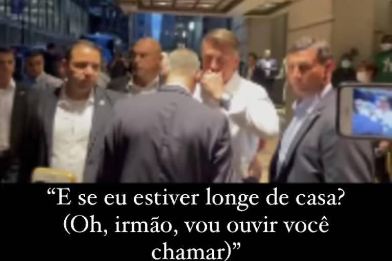 O presidente Jair Bolsonaro conversa com o influenciador Allan dos Santos em Nova York