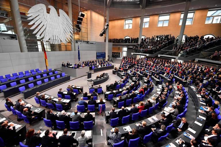 Obstáculos para coalizão na Alemanha vão da economia à diplomacia