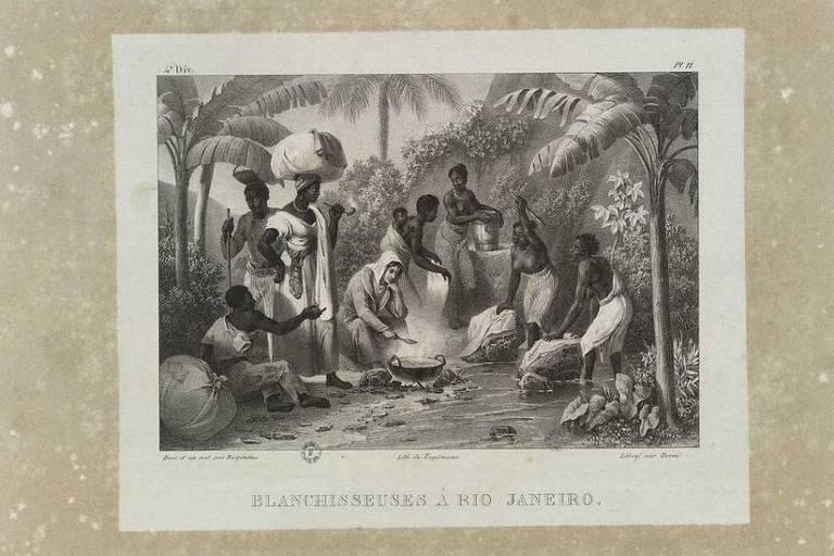 pintura em preto e branco mostra um grupo de mulheres e homens negros na beira de um riacho. Ao redor deles, há vegetação.