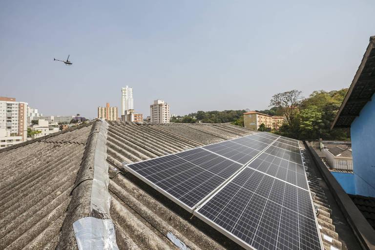 Enphase chega ao Brasil para disputar mercado de inversores solares com chineses