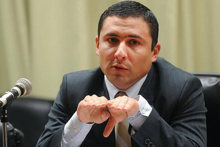 Tesouro diz ter fortes restrições a prorrogar auxílio emergencial