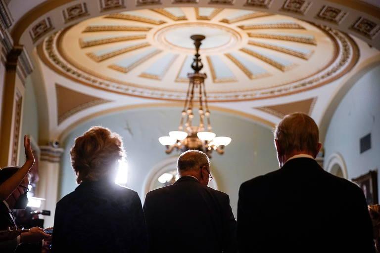 Democratas lutam para evitar paralisação e calote do governo dos EUA