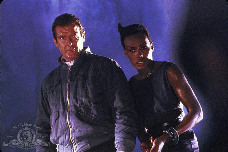 '007 - Na Mira Dos Assassinos' marca o fim da era de Roger Moore vivendo o papel de James Bond