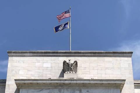 Bolsas caem com incertezas sobre inflação pelo mundo e recuperação global