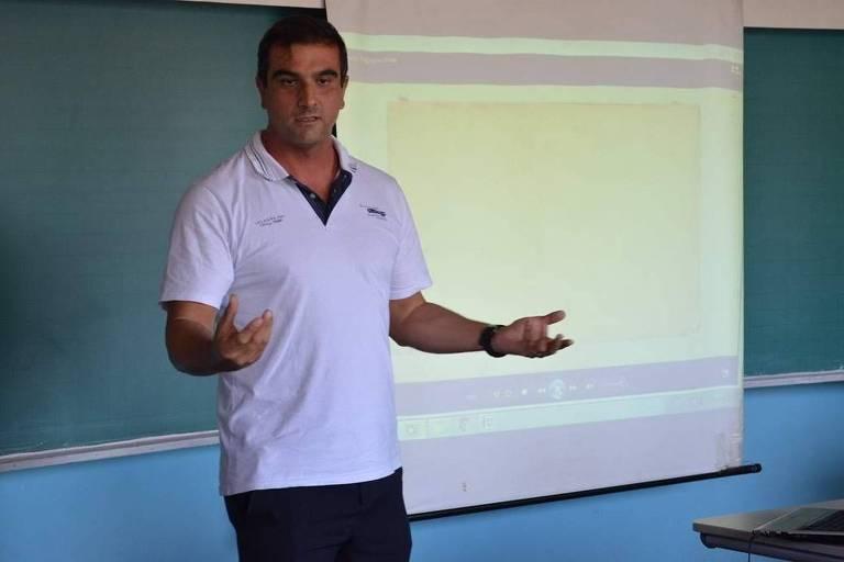 Professor no Paraná tem mestrado concluído mesmo após morrer
