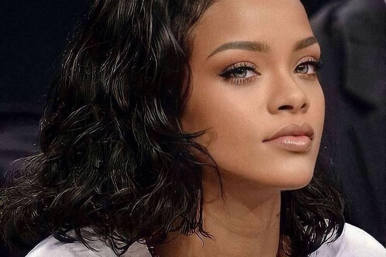 Rihanna fala de inclusão, ações sociais e sobre aceitar que virou bilionária