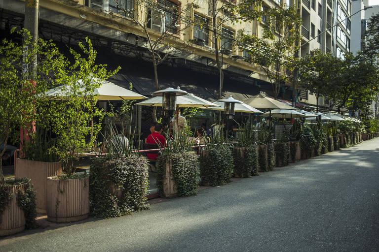 Veja fotos de bares e restaurantes da região do Copan