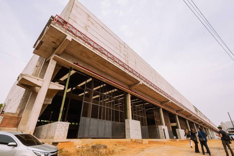 Obras da Fábrica do Samba, na Barra Funda (zona oeste da cidade de São Paulo), foram retomadas. Local tem previsão de entrega para fevereiro de 2022.