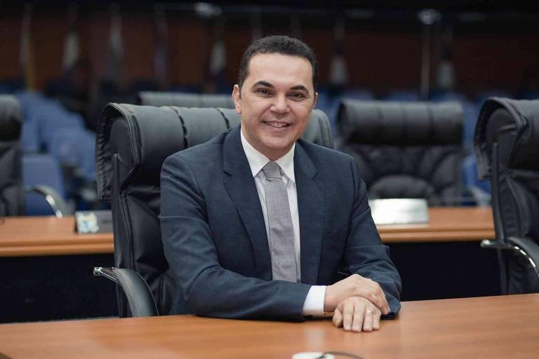 Deputado é preso sob suspeita de ordenar sequestro de jornalista em Roraima