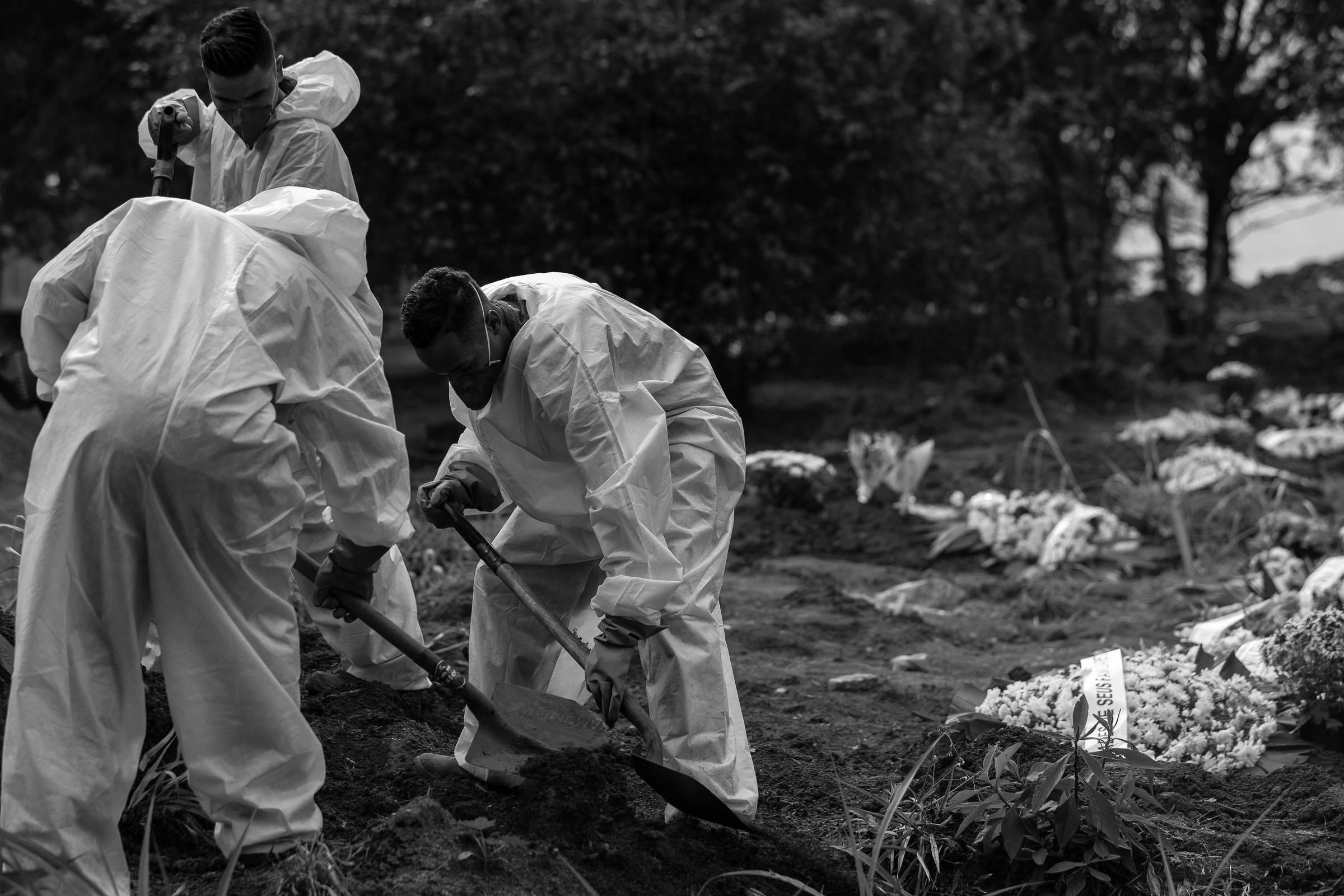 Brasil registra 358 mortes por Covid em 24 h e 12 mil novos casos