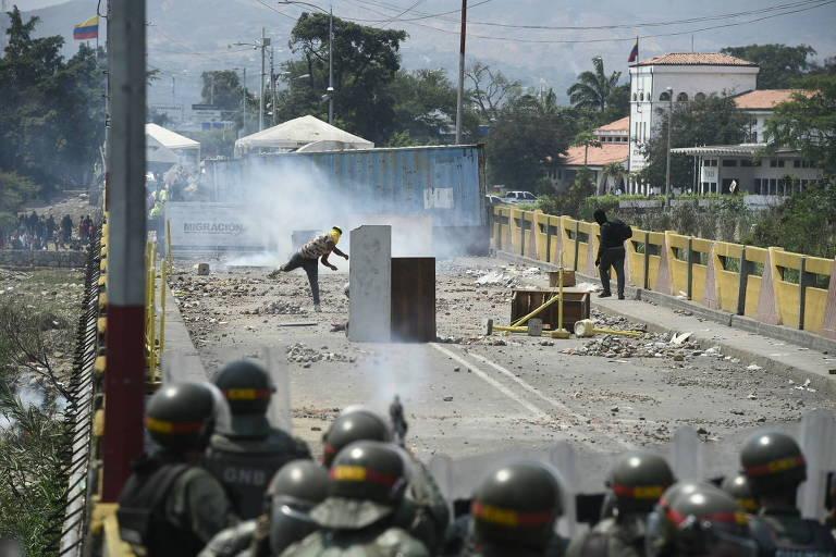 Venezuela anuncia reabertura de fronteiras com a Colômbia para comércio