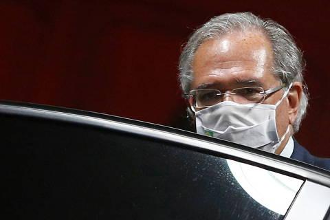 Guedes fala em licença para gastar fora do teto, nega populismo e defende governo popular
