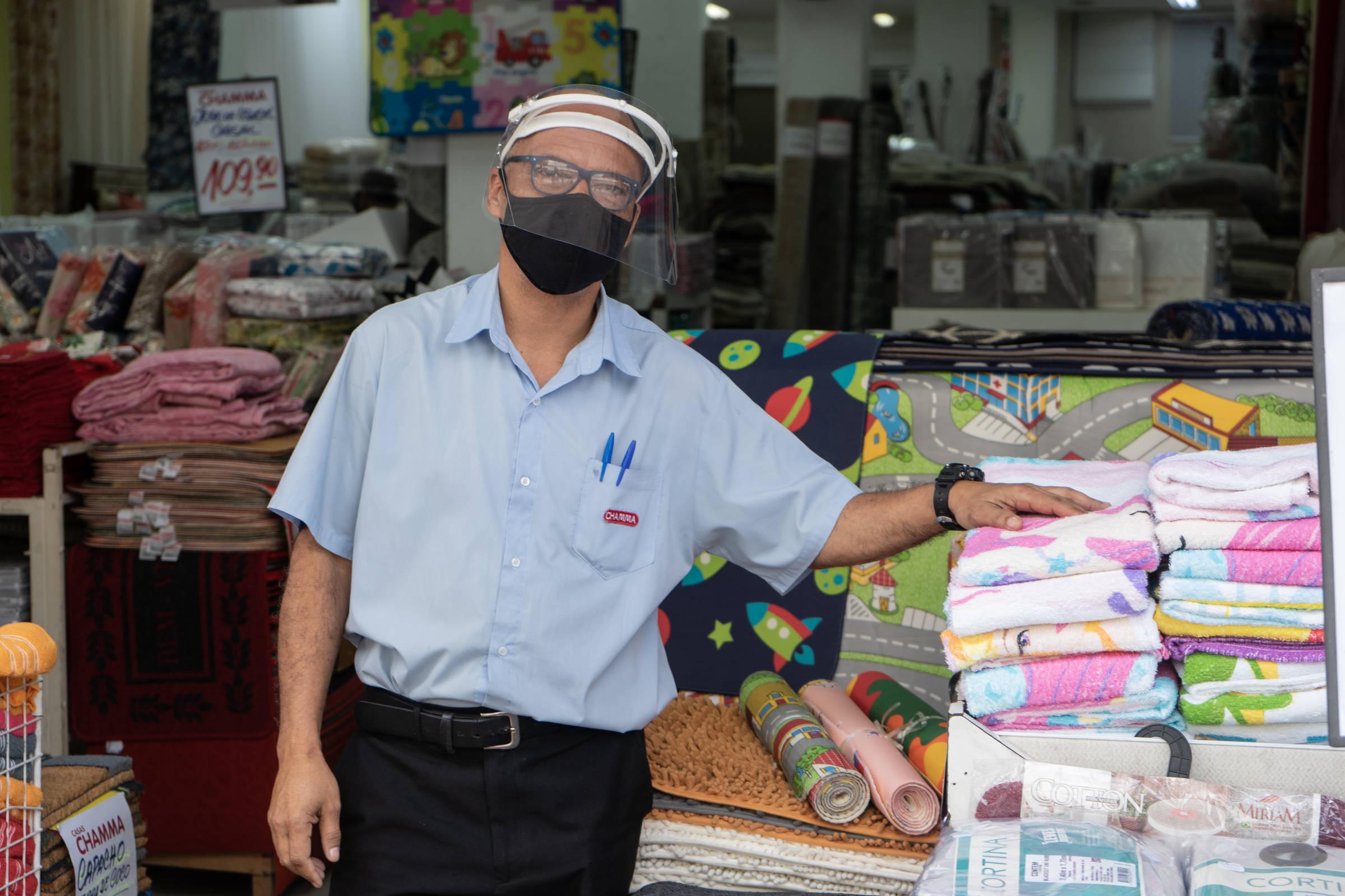 Já é hora de discutir a flexibilização do uso de máscaras em locais abertos? SIM