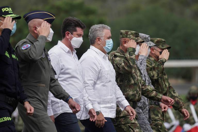 Colômbia mobiliza maior tropa militar na região da fronteira com a Venezuela