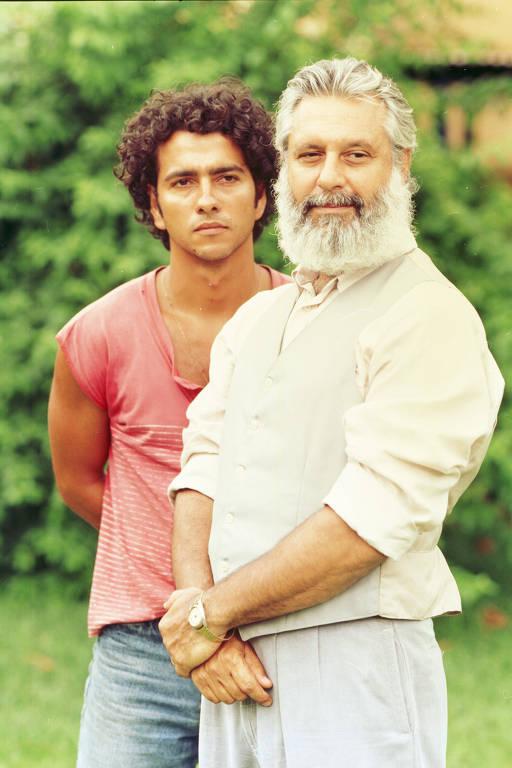 João Pedro (Marcos Palmeira) e José Inocêncio (Antonio Fagundes)