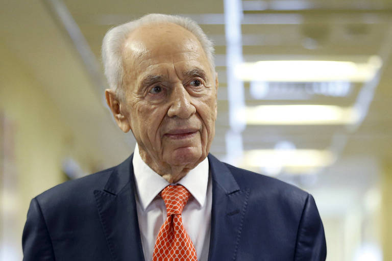 Shimon Peres, herói nacional em Israel, é acusado de assédio sexual por ex-diplomata