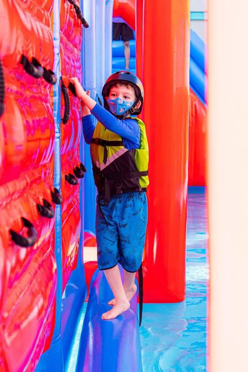 Imagem da atração Ninja Splash na unidade do PopHaus em Tatuapé