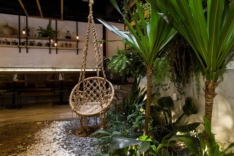 Nica Café tem jardim ideal para esquecer São Paulo no meio da rotina da cidade