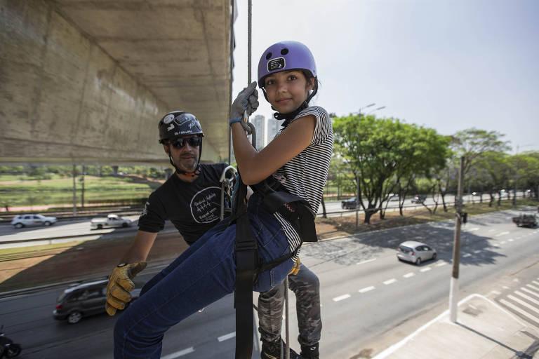 Sophia Tibiriça, de 11 anos, é uma das crianças que faz rapel com a Vertical Infinity Rapel & Trips