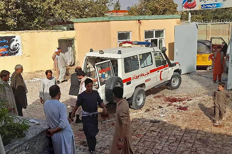 Ataque terrorista em mesquita no Afeganistão deixa ao menos 55 mortos