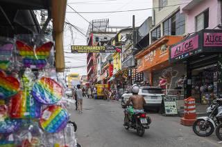 Paraisopolis chega aos 100 anos com alta em comercio, mas urbanizacao ainda travada: Rua Pasquale Guallupi que une comercio e moradias na mesma rua