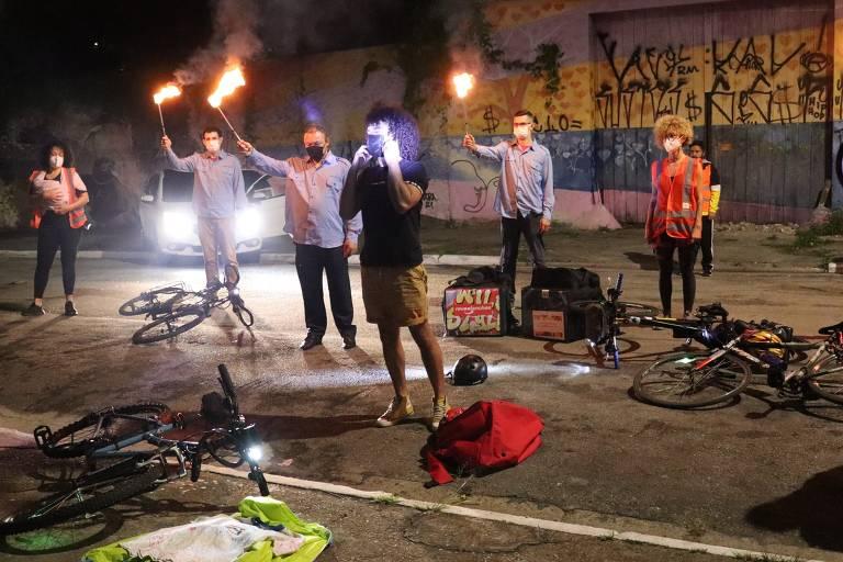 ciclistas protestando