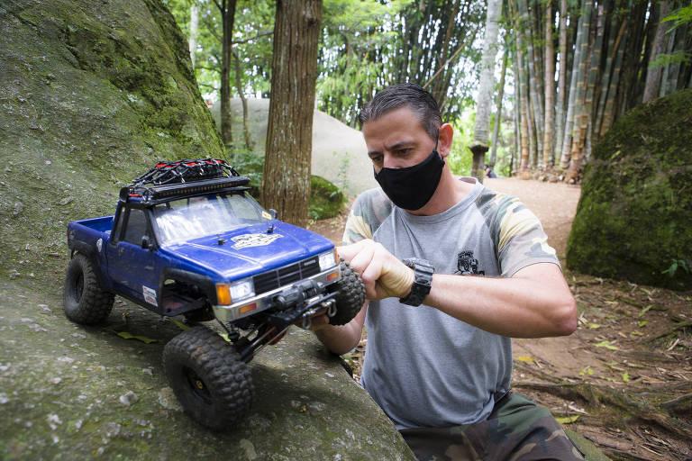 Automodelismo off-road (crawler) no Horto Florestal