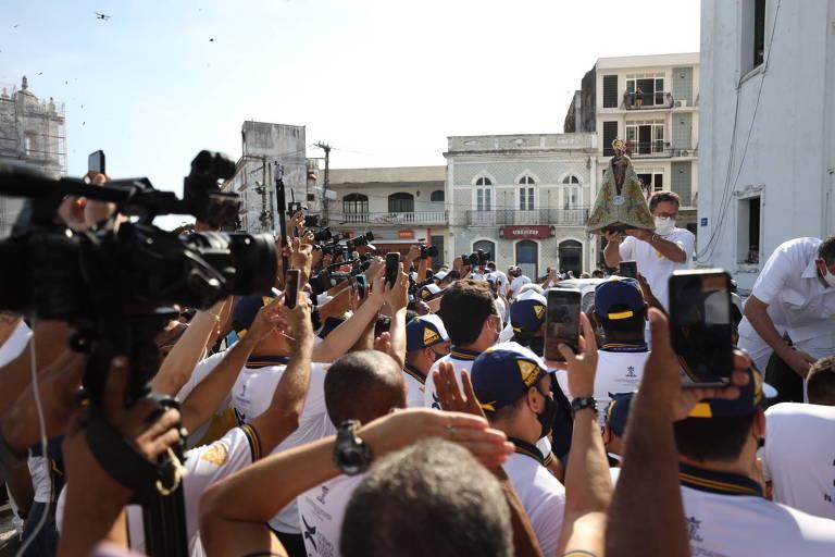 Círio de Nazaré leva milhares às ruas de Belém mesmo sem procissão oficial