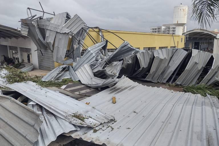Temporal deixa 10% de Pirassununga (SP) sem energia 48 horas depois de destruição; veja vídeo
