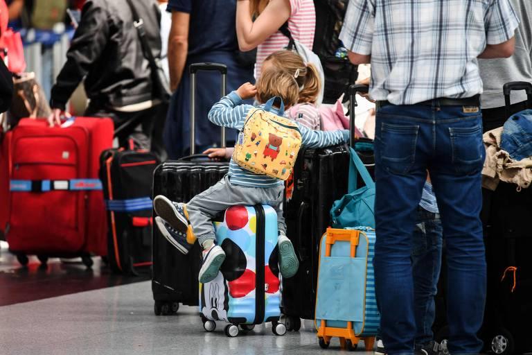 Regra sobre Coronavac na Alemanha frustra brasileiros de passagem comprada