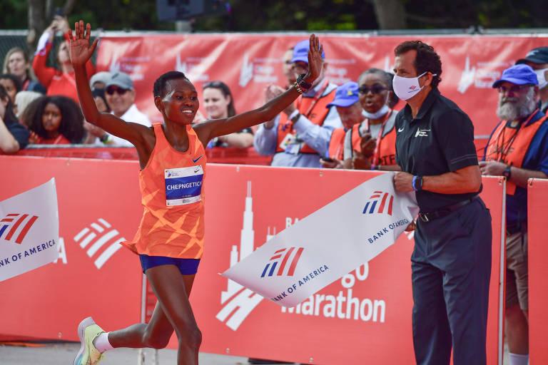 Queniana Ruth Chepngetich vence prova feminina da Maratona de Chicago 2021