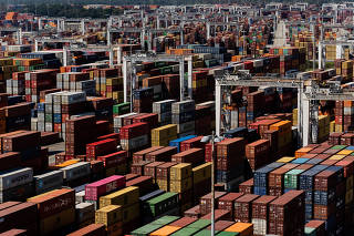 Shipping containers at the Port of Savannah, which is running out of places to put a pileup of nearly 80,000 of them, in Savannah, Ga., Sept. 29, 2021. (Erin Schaff/The New York Times)