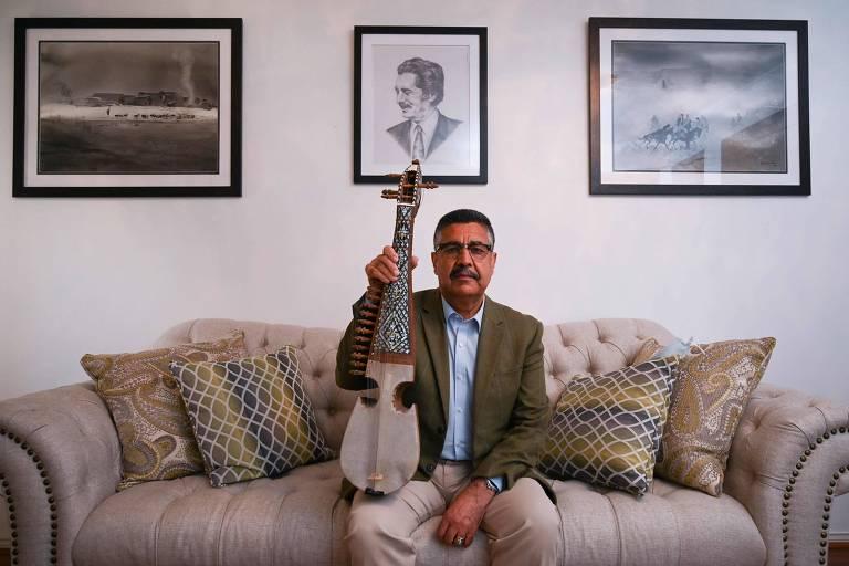 Músicos afegãos temem que Talibã silencie escola pioneira de instrumentos