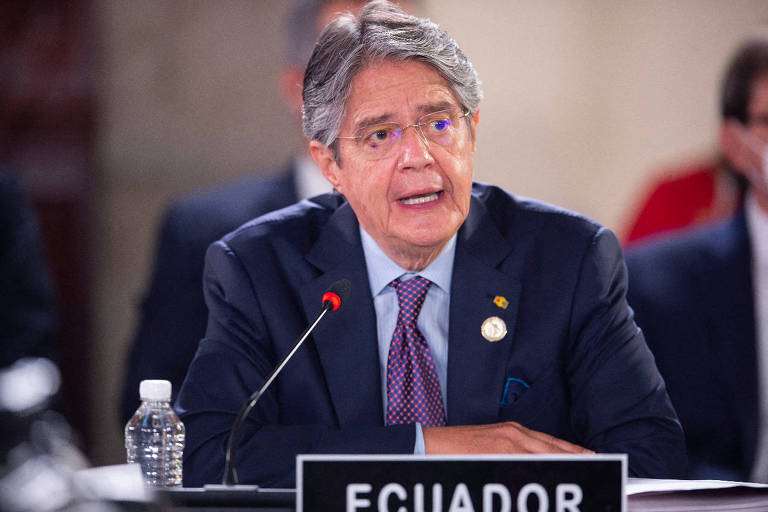 Equador aprova investigação contra presidente por caso Pandora Papers